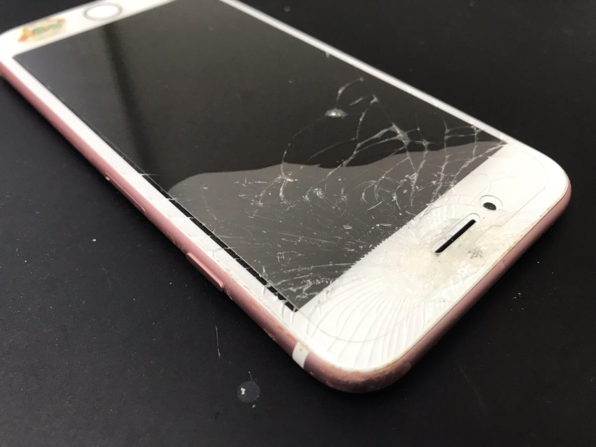 画面が割れたiPhone6s