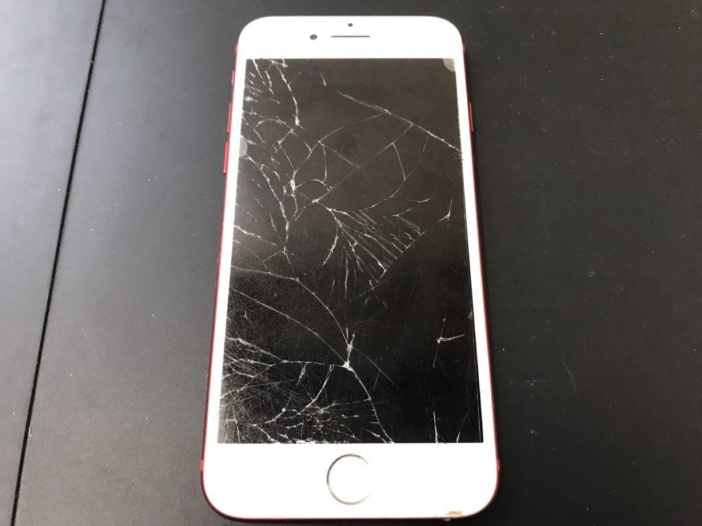 画面が割れたiPhone7