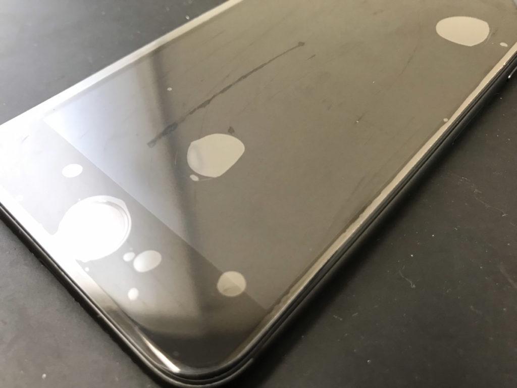 画面交換で復旧したiPhone8