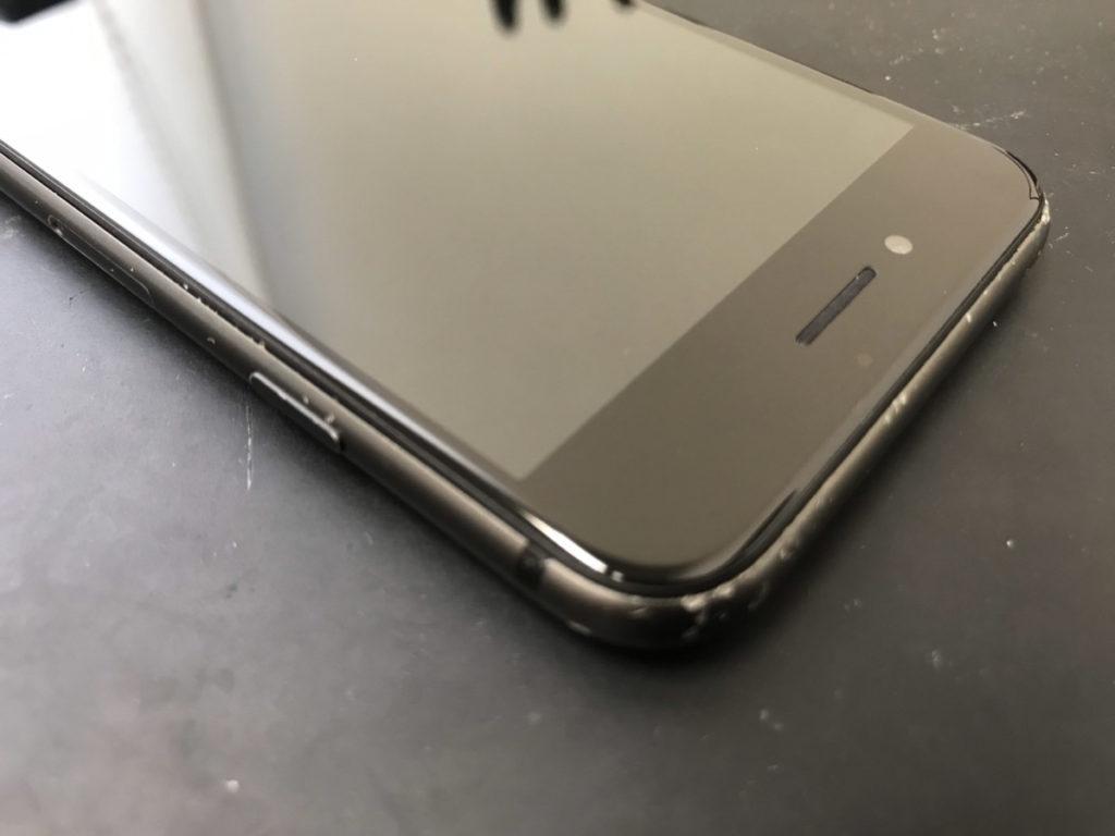 画面交換で綺麗になったiPhoneSE(第2世代)