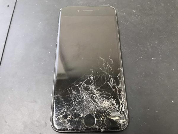「iPhone画面修理」ホームボタン周辺が割れている時は注意が必要