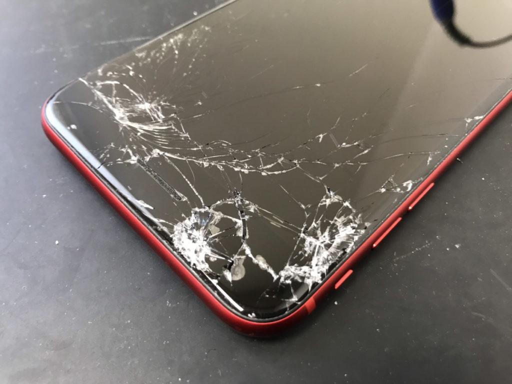 画面割れでFaceIDも使えなくなったiPhoneXR