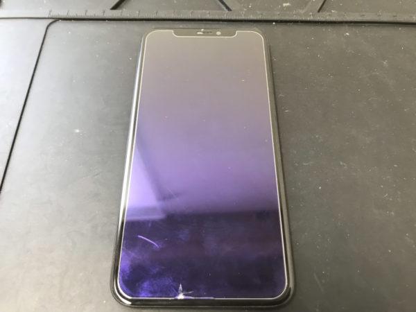 画面が真っ暗になってしまったiPhoneXの修理依頼