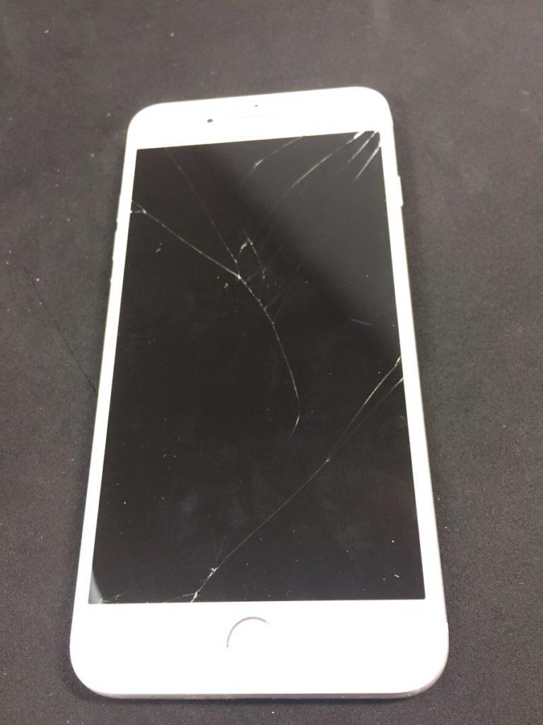 落として割れてしまったiPhone8Plusのガラス交換