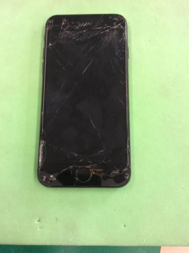 柏崎市よりiPhone7 フロントパネル交換