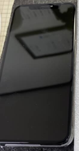 iPhoneXS画面割れ!