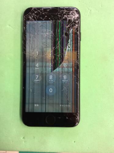 リピーターのお客様よりiPhone7 フロントパネル交換