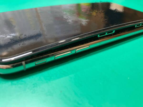[バッテリー膨張] iPhoneXのバッテリー交換