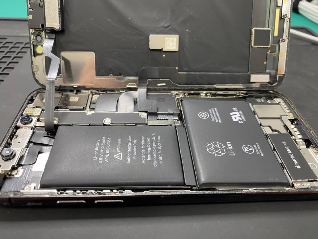 iPhone X バッテリー膨張