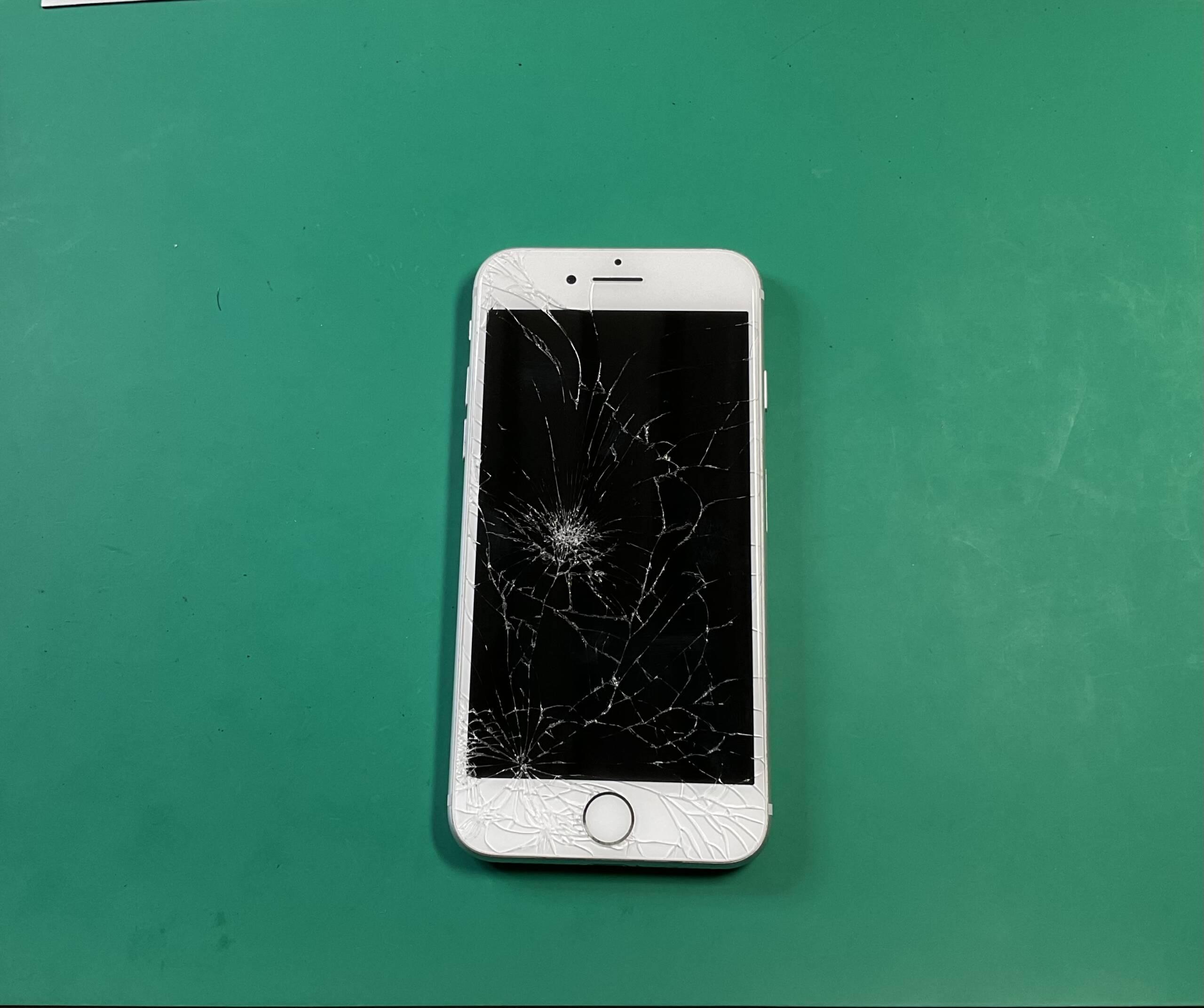 iPhone7画面割れ