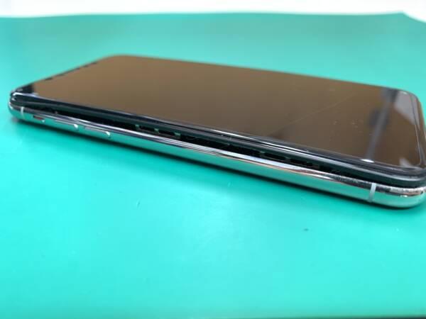 【iPhoneX】バッテリー膨張には注意