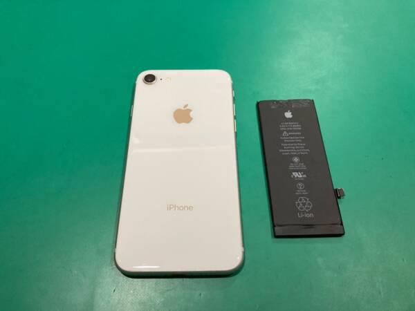 [バッテリー交換] まだまだ現役のiPhone8